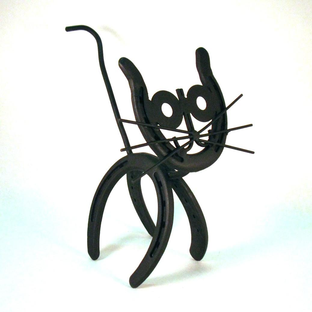 Horseshoe Cat