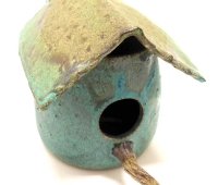 turq-birdhouse-with-perch